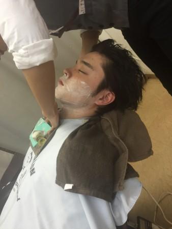 シャンプー、顔剃り